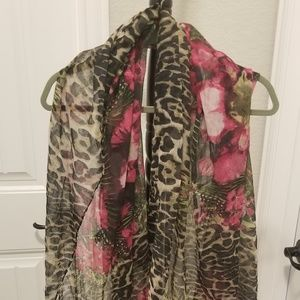 Accessories - Floral and leopard print scarf